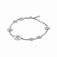 Daisy Bracelet with white flower & silver flowers