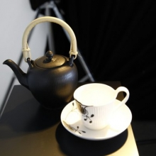 Black fluted Teapot & Black Mega HH Cup