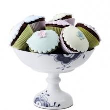 Mega dish on foot with cupcake by Karen K Larsen H15cm €220,-